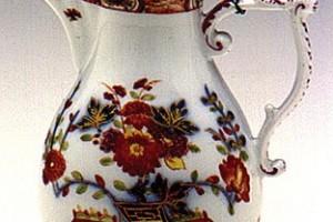 Brocca in maiolica lustrata, ambito tedesco, secolo XVIII, maiolica